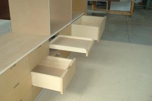 Progettazione arredamenti laccatura lucidatura for Piani di cabina e cottage